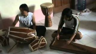 Kabogoh Jauh instrumen gendang suling & Kecapi sunda.flv