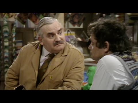 Open All Hours - s01e01 - Full Of Mysterious Promise