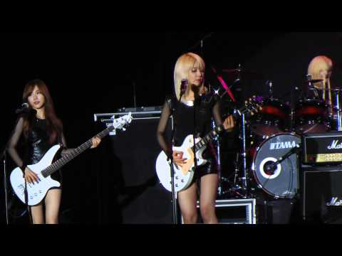 AOA Moya @ SundownFest 16th Nov 13
