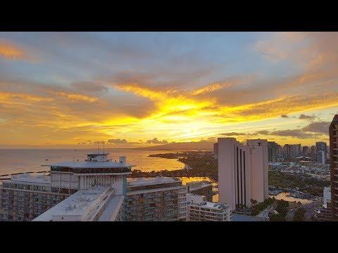 Hilton Grand Waikikian 35th Floor Penthouse Room and Sunset Views - Waikiki, Hawaii
