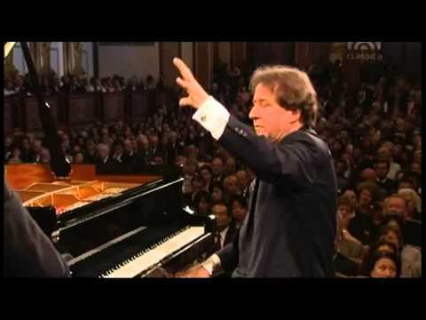 Mozart, Piano Concert Nr  24 c Moll KV 491   Rudolf Buchbinder Piano & Conducter, Wiener Phi
