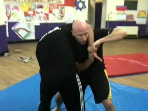 Ricky Manetta- Guillotine Choke Defence- MMA KRAV MAGA
