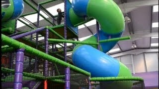 Indoor Playground Fun Cool - Kids Having Fun In Indoor Playground