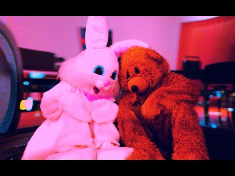 Смотреть клип Dj S.K.T. & Example - Love Don'T Fade