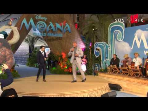 TAGATA PASIFIKA: Dwayne Johnson Singing at Moana World Premiere