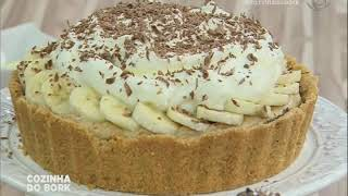 Receita de torta de banana com doce de leite com a chef Fernanda Luvezuto