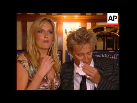 Penny Lancaster Makes Guest Appearance In Rod Stewart Show