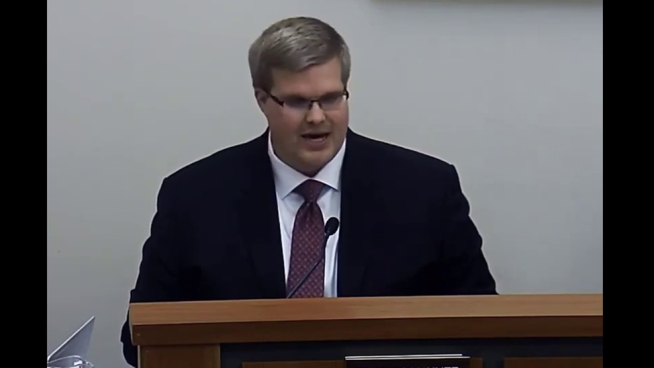 Kutz Gives Commissioner's Report at Feb. 24 Meeting
