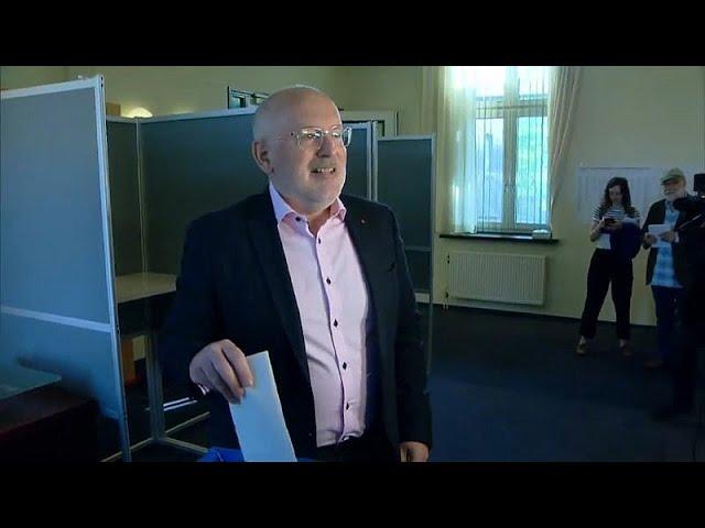 <span class='as_h2'><a href='https://webtv.eklogika.gr/ollandia-niki-ton-ergatikon-deichnei-to-exit-poll' target='_blank' title='Ολλανδία: Νίκη των Εργατικών δείχνει το exit poll'>Ολλανδία: Νίκη των Εργατικών δείχνει το exit poll</a></span>