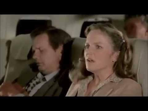 Y a t il un pilote dans l'avion   Extraits poster