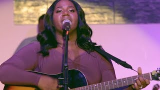 Pour Me Out (Live in NYC) - Naomi Raine