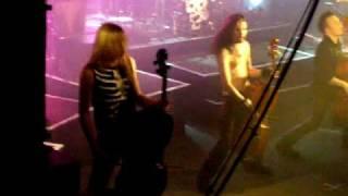 Apocalyptica Enter Sandman (live @Dortmund 2005)
