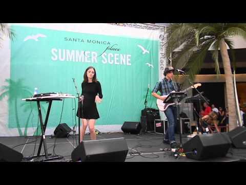 rocknycliveandrecorded.com: Lena Fayre @the Santa Monica Place