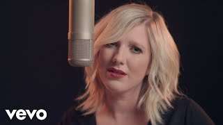 Claudia Koreck - Ein Kompliment (offizielles Musikvideo)