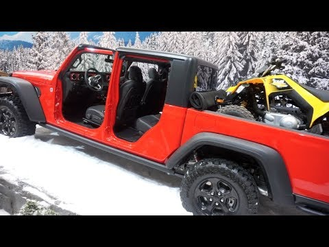 Checking out the 2020 Jeep Gladiator!