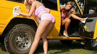 Авто бикини, девушки красиво танцуют около красивых авто  Красивое видео!