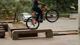 Urban Freestyle Stunts | wheelie stoppie Drifting on Street Video