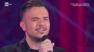Andrea sannino canta a 'domenica in' il suo successo 'abbracciame'la puntata integrale su raiplayhttps://www.raiplay.it/video/2019/12/domenica-in-puntata-del...
