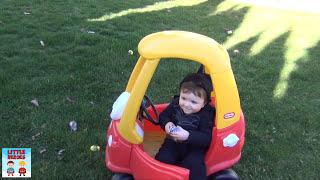 Wolverine vs Batman⎜ Spiderman v DC Comics ⎜ Little Heroes Real Life Sumo Candy Prank