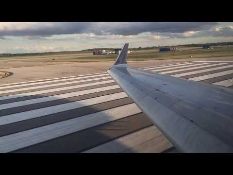 Delta Connection Bombardier CRJ-700 Takeoff from Detroit Metropolitan Wayne County Airport