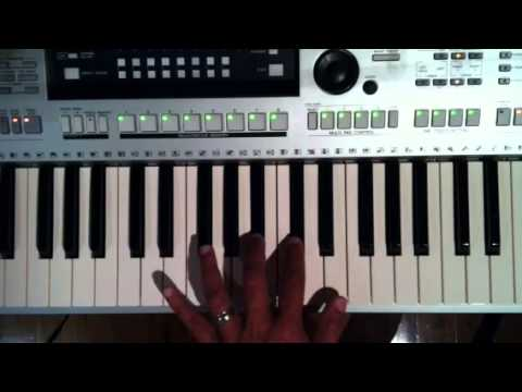 Lakhon Hain Yahan Dilwale Intro Music - Keyboard Tutorial