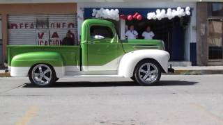 Desfile autos clásicos