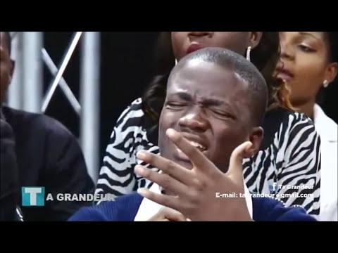 Joel Francis Tatu et Jonathan Munghongwa - Molimo Mosantu (Ta Grandeur)