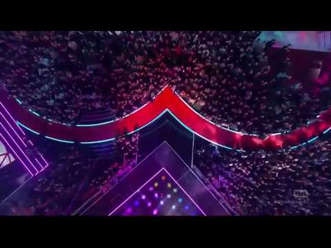 The Chainsmokers & Coldplay   Something Just Like This Paris iHeartRadio  Awards