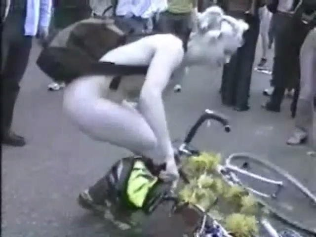 Rare Footage Of The London 2004 Naked Bike Ride [Warning Contains Full Frontal Nudity]