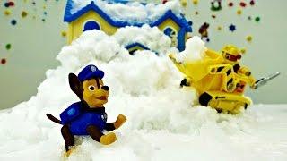 Skyes Haus wurde eingeschneit! Spiel mit Paw Patrol.