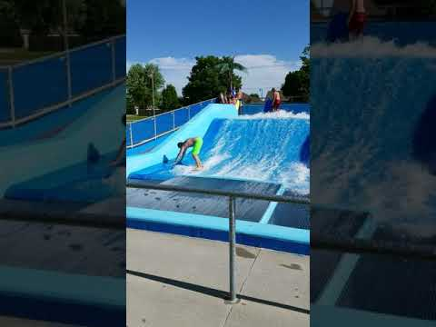 Jay surfing the Huna at the Republic Pool