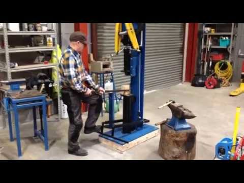 Blacksmiths tyre hammer/ power hammer