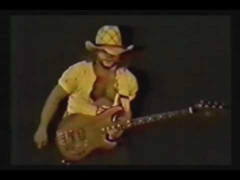 Van Halen - Bass Solo ( LIVE Largo 1982 )