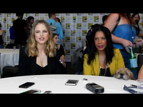 The Orville  Halston Sage & Penny Johnson Jerald   SDCC 2017