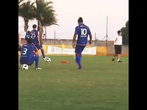 Ronaldinho sigue haciendo magia