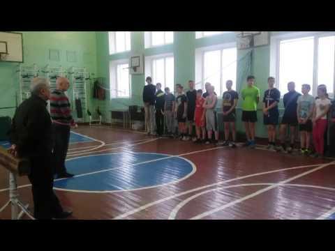На базе СОШ №3 прошли городские соревнования по прыжкам в высоту памяти Цапкова В Е