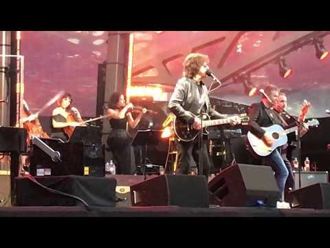 Showdown    Jeff Lynne's ELO   Wembley 2017  *LIVE* FRONT ROW  *4K HD*