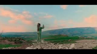 Helly Luv - Huawei P30 Pro (advertising)