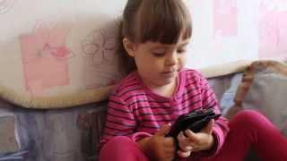 видео урок для бабушек и дедушек, как звонить со смартфона папе.
