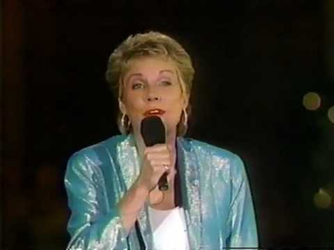 Bluebird - Anne Murray Live at Disney World, FL.