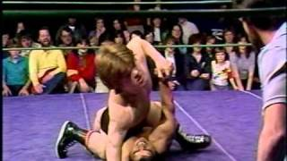 Short Stature Wrestlers - Tiny Tom Vs Chief Lone Eagle | Wrestling Video