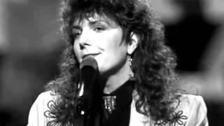 Watch Kathy Mattea Walk The Way The Wind Blows video