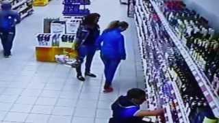 Веселье в магазине Магнит. Видеонаблюдение от simple-video.ru(, 2013-10-07T13:30:27.000Z)