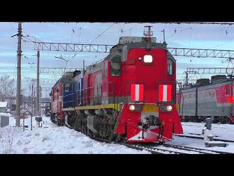 ТЭМ18ДМ-521, 545, ТЭМ18Д-054 и ТЭП70-0505 в сплотке отправляются со станции Алапаевск