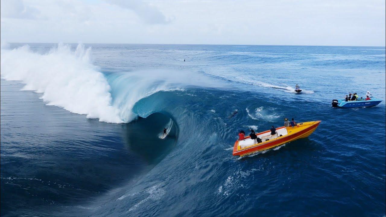Teahupo'o Du Ciel | Surfing