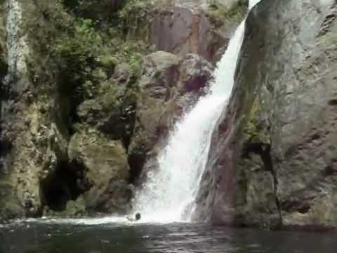 Cascada que baja de fila maestra avila youtube for Piscinas naturales castilla y leon
