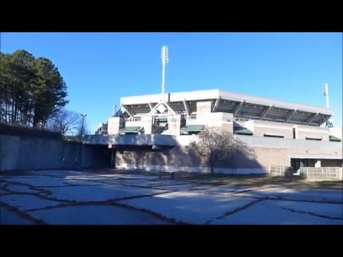 Abandoned Olympic Tennis Stadium : Stone Mountain Tennis Center