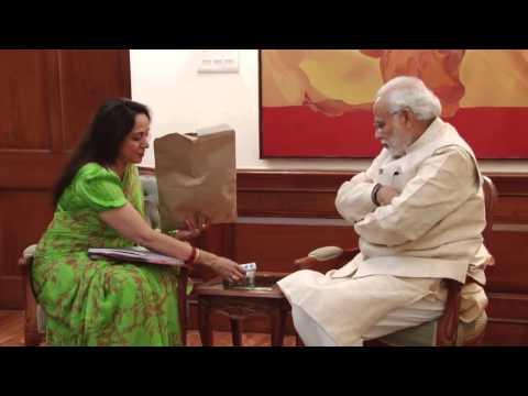 Hema Malini meets Narendra Modi, discusses Mathura Vikas