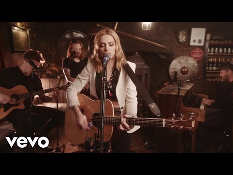 Amy Macdonald - Mr Rock & Roll (Acoustic / Drovers Inn Session)
