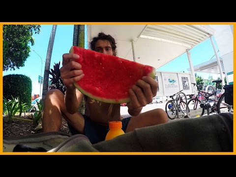 HOW TO EAT A WATERMELON: AWESOME FRUITARIAN STYLE